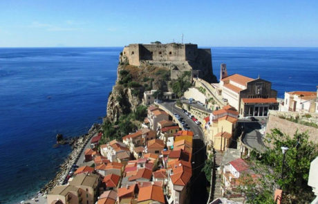 Scilla - Panoramica borgo e castello